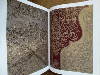 The Topkapi Saray Museum: Costumes, Embroideries and other Textiles